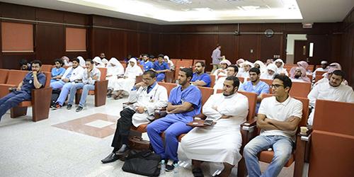 لقاء لجنة التوعية الإسلامية بالكليات الصحية